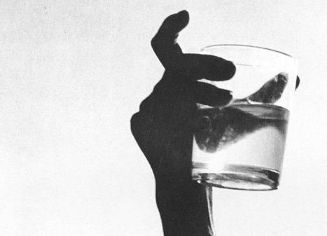 Quanto pesa un bicchiere d'acqua?